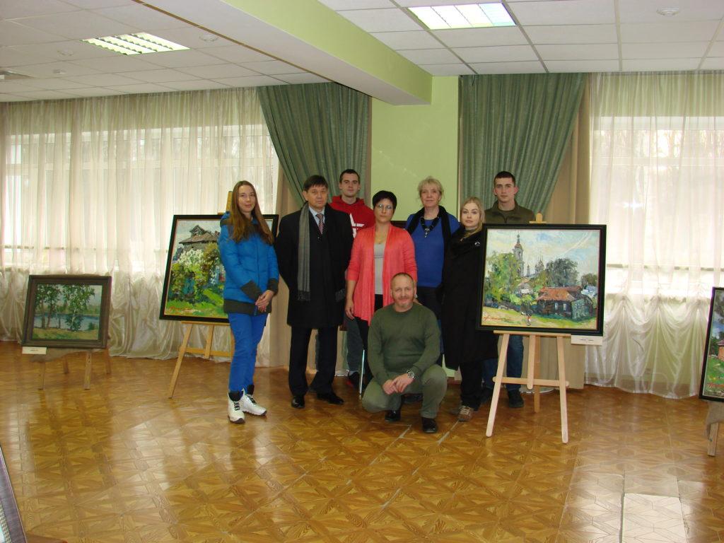 В поселении «Мосрентген» прошла выставка картин «В сиреневом плену» из города Кимры