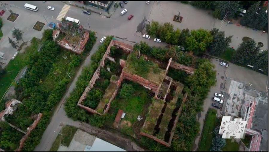 Программа «Наступление на наследие» спустя три года посетила руины Гостиного двора | Видео