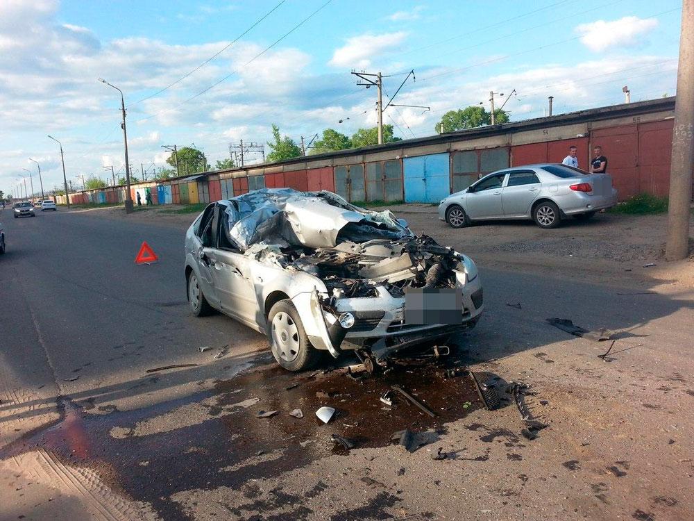 На Борковском шоссе в Кимрах нетрезвый водитель спровоцировал ДТП и попал в больницу | Видео