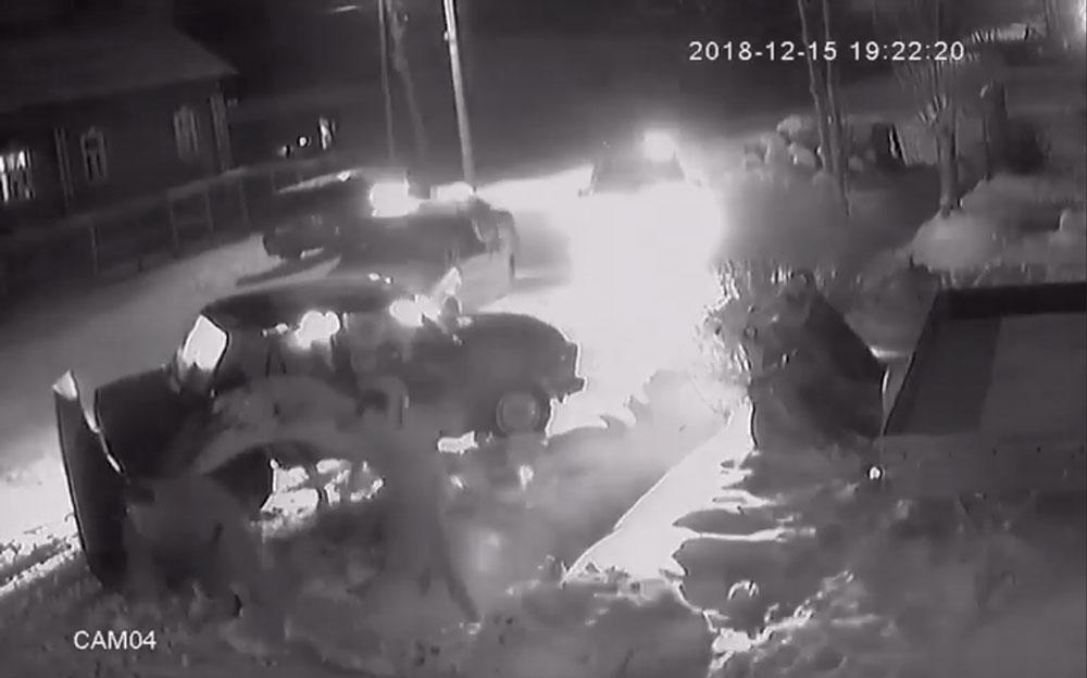В Кимрах набитая подростками «семерка» уходила от полицейской погони   Видео
